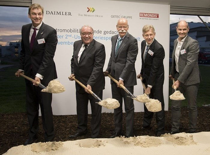 Ground breaking - World's largest 2nd-use battery storage unit , Lünen. F.l.t.r.: Klemens Rethmann (Rethmann Group) Uwe Beckmeyer (Parl. Staatssekretär) Dieter Zetsche (CEO Daimler AG) Karl Gerhold (CEO GETEC Group) Thomas Raffeiner (CEO The Mobilty House) (Daimler AG)