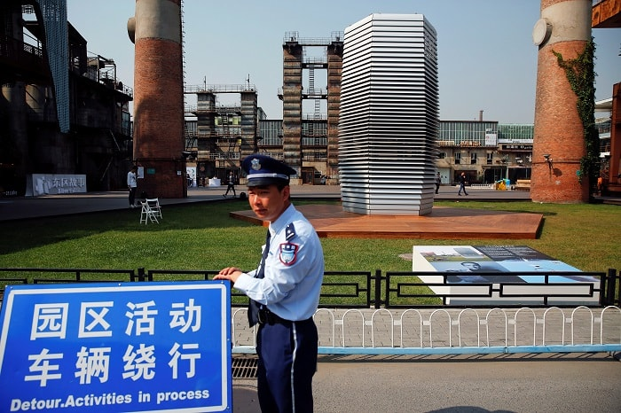 Police Smog Free Tower In Beijing China - Daan Roosegaarde - eco urban climate