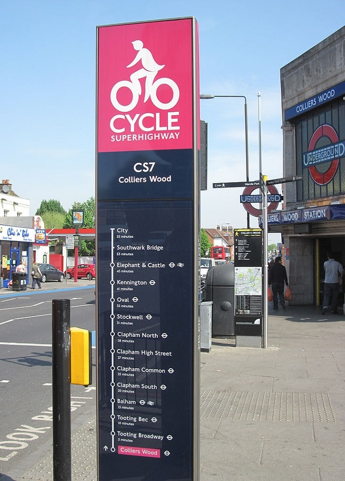 Cycling in London - Sign at the beginning of Cycle Superhighway CS7 - eco urban cycling