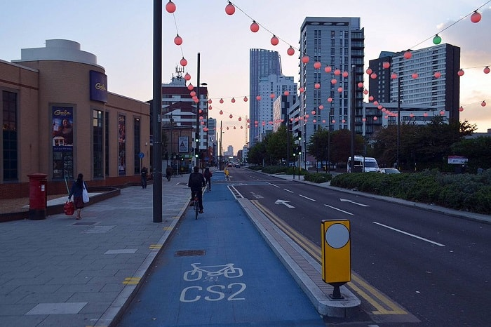 cycling in london - cycle superhighway 2 - eco urban cycling