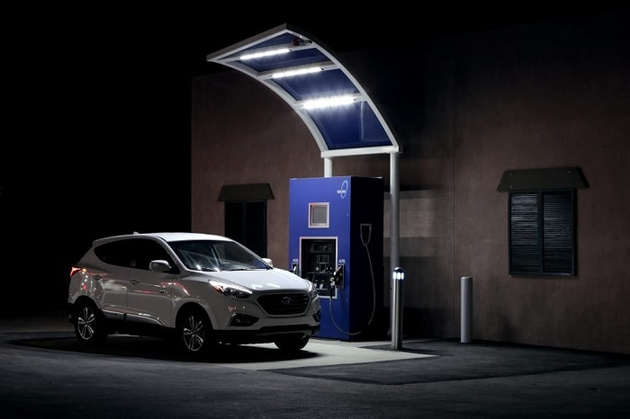 Hyundai Tuscon charging at True Zero hydrogen station in the US (True Zero)